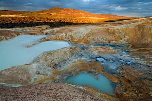 Hot springs with sulpur deposits, Leirhnj�kur, Iceland, July 2008  -  Wild Wonders of Europe / O Haarberg