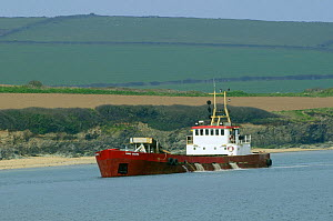 "Dredger ""Sand Snipe"" at work in the Camel estuary near Padstow, Cornwall, UK.  -  Nick Upton"
