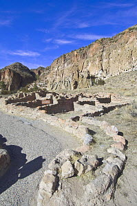Ruined dwellings of the ancient native american Pueblo people, Bandelier National Monument, New Mexico, USA, February 2009  -  Rob Tilley