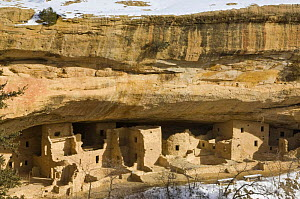 Spruce Tree House, ancient native american Pueblo  dwellings, Mesa Verde NP, Colorado, USA, February 2009 - Rob Tilley