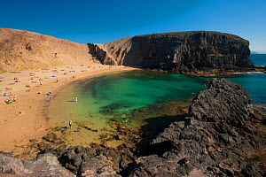 People on Papagayo beach, Lanzarote, Canary Islands, Spain, April 2009  -  Wild Wonders of Europe / Relanzón