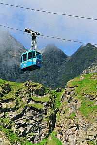 Cable car on a cloudy day in the mountains, Switzerland, July 2009 - Philippe Clement