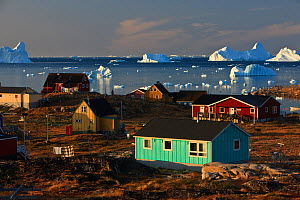 Coastal settlement houses, Saqqaq, Greenland, August 2009  -  Wild Wonders of Europe / Jensen