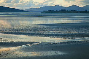 View of tidal landscape in the Sound of Taransay and North Harris, South Harris, Outer Hebrides, Scotland, UK, June 2009  -  Wild Wonders of Europe / Muñoz
