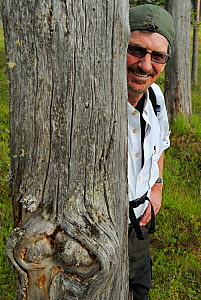 National Geographic reporter, Don Belt, on a bear watching trip in Kuhmo, Finland, July 2009  -  Wild Wonders of Europe / Widstrand