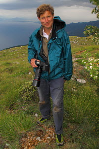 Photographer, David Maitland, holding camera near Lake Ohrid, Galicica National Park, Macedonia, June 2009  -  Wild Wonders of Europe / Maitland