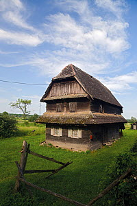 Traditional house made from local Slavonian oak wood, Krapje village, Lonjsko Polje Nature Park, Sisack-Moslavina county, Slavonia region, Posavina area, Croatia, June 2009 - Wild Wonders of Europe / della Ferrera