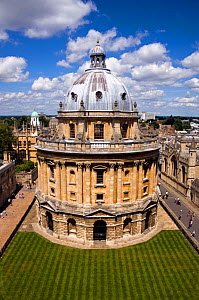 Radcliffe Camera, viewed from St Mary the Virgin Church, Oxford, UK. June 2009.  -  Merryn Thomas