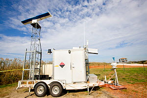 Mobile Avian Radar System (MARS�) detects bird movements, used for impact assesments at airports and windfarms etc. Brigantine, New Jersey, USA - Doug Wechsler