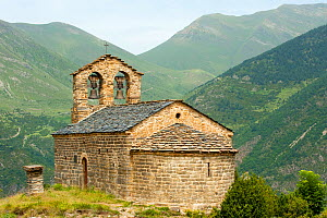 Sant Quirc de Durro Church, romanesque church from XII century, and UNESCO world heritage, in the Bo� Valley, Pyrenees, Lleida, Catalonia, Spain. July 2009 - Inaki Relanzon
