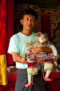 Puppeteer with traditional puppet in Nyaungshwe, Inle Lake, Shan State, Myanmar, Burma. August 2009  -  Inaki Relanzon