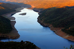 River Tagus, Castille de Monfrague, Extremadura, Spain, April 2009 - Wild Wonders of Europe / Varesvuo