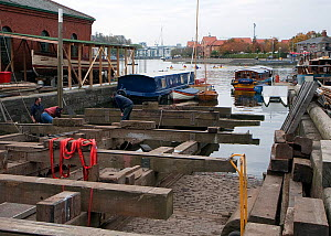 Slipway at the Underfall Yard, capable of lifting boats up to 180 tons and 32m overall. Bristol, England, UK, 2009.  -  Toby Roxburgh