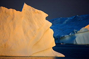 Iceberg at dusk, Greenland, August 2009 WWE BOOK  -  Wild Wonders of Europe / Jensen