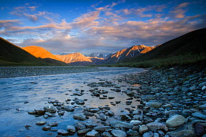 Kongakut River with mountains in early light, Arctic National Wildlife Refuge, Alaska, June 2009  -  Ingo Arndt