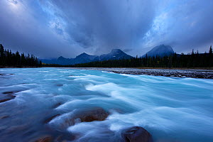 Athabasca River with Dragon Peak and the Winston Churchill Range at dawn, Jasper National Park, Alberta, Canada. September 2009 - David Noton