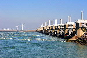 Oosterscheldekering / Eastern Scheldt storm surge barrier, part of the Delta Works that regulates the enormous tidal flows and harnesses spring floods. Neeltje Jans, The Netherlands, March 2010 - Philippe Clement