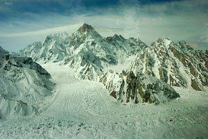 Aerial view of glaciated valley of Concordia, Karakoram Mountains, Himalayas, Pakistan. From Pakistani military helicopter for BBC series Planet Earth April 2005 - Jeff Wilson