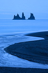 Reynisdrangur stacks and black sand beach Vik i Myrdal at night, Iceland, June 2009  -  Guy Edwardes