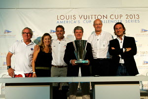 Team New Zealand celebrating Louis Vuitton Trophy win. Dubai, United Arab Emirates, November 2010. Non-editorial uses must be cleared individually. - Franck Socha