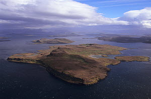 Aerial view of Ile Haute in Morbihan gulf, Kerguelen archipelago, Sub-antarctic, Territory of the French Southern and Antarctic Lands, December 1999 - Eric Baccega