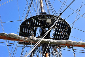 "Mast, rigging and top aboard the ""Grand Turk / Etoile du Roy"", a three-masted sixth-rate frigate built in 1996 as a replica of HMS Blandford, built in 1741, Saint Malo, Brittany, France, September 201... - Philippe Clement"