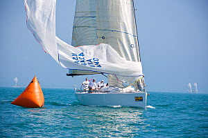 """""""Vitesse"""" approaching mark during a race at Key West Race Week. Florida, USA, January 2011.  -  Billy Black"""