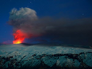 Ash plume and lava eruption from the Eyjafjallajokull volcano at night, Iceland, April 2010. Honourably mentioned in the Wild Habitat of the Por el Planeta (For the Planet) competition 2015.  -  Orsolya  Haarberg