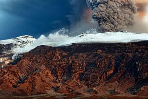 Ash plume from the volcano erupting under the Eyjafjallajokull ice cap, Iceland, May 2010  -  Orsolya Haarberg