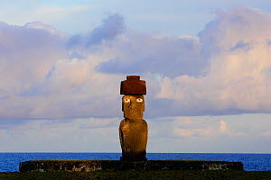 Moai statue standing erect at the restored archaeological site of Ahu Ko Te Riku in Hanga Roa, Easter Island (Pascua or Rapa Nui), Unesco World Heritage Site, November 2004  -  Oriol Alamany