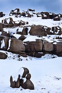 The Wool Packs, an area of weathered gritstone boulders. Peak District National Park, Derbyshire, UK, February 2010. - Alex Hyde