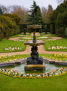 Formal gardens with fountain at Ascott house, Buckinghamshire, UK, April - Ernie Janes