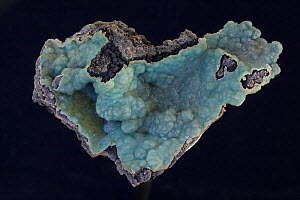 Smithsonite (zinc carbonate, ZnCO3), a mineral ore of zinc, Also known as zinc spar, Discovered by and named for James Smithson whose bequest established the Smithsonian Institute, Colors range from w...  -  John Cancalosi