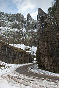 Cheddar Gorge after snowfall. Somerset, UK, February 2009.  -  Nigel Bean