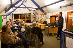 Mark Hamblin speaking to Assynt Field Club, Lochinver, Inverpolly, Sutherland, Highlands, Scotland, UK, January 2011 - Peter Cairns / 2020VISION