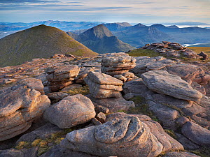 View of Suilven mountain from close to the summit of Cul Mor, Assynt mountains, Highland, Scotland, UK, June 2011  -  Joe Cornish / 2020VISION