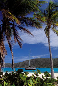 Cruising yacht moored close to Eustatia Island, British Virgin Islands, Caribbean. All non-editorial uses must be cleared individually. - Sea & See