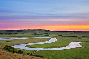 The Cuckmere River at sunset, Seven Sisters Country Park, South Downs National Park, East Sussex, England, UK, July 2011 - Guy Edwardes / 2020VISION