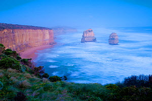 Twelve Apostles rock formations, Great Ocean Road, Port Campbell National Park, Victoria State, Australia, September, 2011.  -  Inaki Relanzon