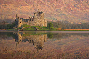 Kilchurn Castle on Loch Awe, Argyll and Bute, Strathclyde, Scotland, UK, April 2011  -  Peter Lewis