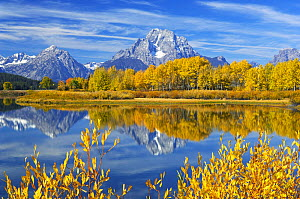 Oxbow Bend of the Snake River with the Grand Tetons on the horizon, Grand Teton National Park, Wyoming, USA, September 2006 - George Sanker