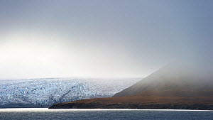 Low clouds over the glacier, Engelskbukta, Western Spitsbergen, Svalbard, Norway, September - Roy Mangersnes