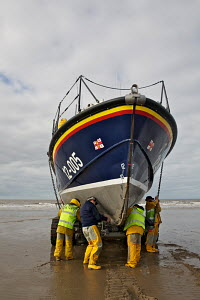 Recovery of the Hoylake RNLI Lifeboat 'Lady of Hilbre' during training exercise. Hoylake, Wirral, Merseyside, England, February 2012. For editorial use only. - Graham Brazendale