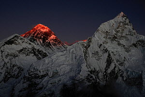 The last light of day illuminating the summit of Mount Everest, Sagarmatha National Park, Khumbu, Himalayas, Nepal, October 2011.  -  Enrique Lopez-Tapia