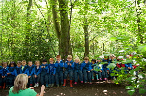 Children from Rowley View Nursery School exploring nature at the Moorcroft Environmental Centre Forest School, Moorcroft Wood, Moxley, Walsall, West Midlands, July 2011. Model released.  -  Paul Harris / 2020VISION