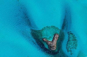 Aerial image showing the sea around sandbanks and islands in the Bahamas archipelago, Caribbean, February 2012  -  Juan Carlos Munoz