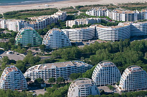 Aerial view of modern achitecture housing designed by Balladur at La Grande Motte, Port Camargue, Southern France, June 2008. No release available.  -  Jean E. Roche