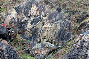 Archeological site (7th- 9th century) and Shiva pilgrimage site (Hinduism): rock carving depicting Laxman and Ram or Rama. Unakoti, Tripura, India, March 2012.  -  Bernard Castelein