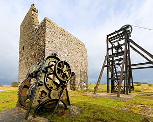 Disused iron wellhead, lift mechanism and mine works. Magpie Mine, a disused lead mine, Peak District National Park, UK, March 2008.  -  Alex Hyde