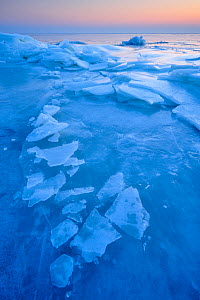 Ice sheets on the coast of the Baltic sea in Klein Zicker, Rugen, Germany, Baltic Sea, February 2011  -  Sandra Bartocha